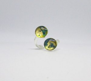 Green and gold double bezel wrap ring